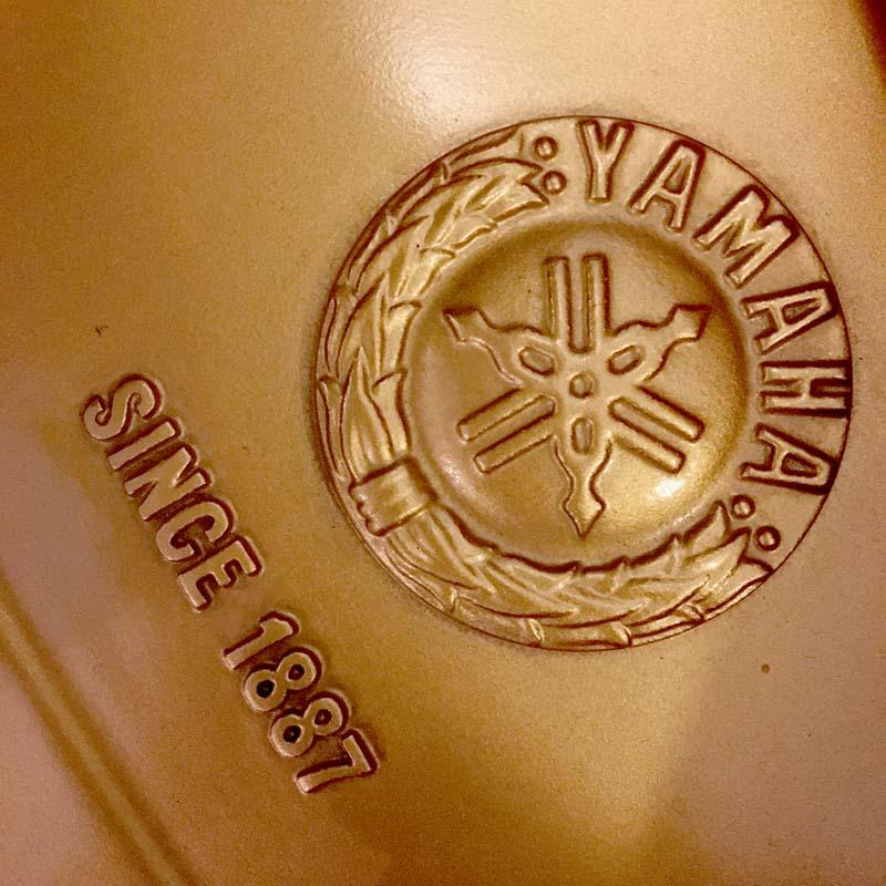 Yamaha C3ED embleem