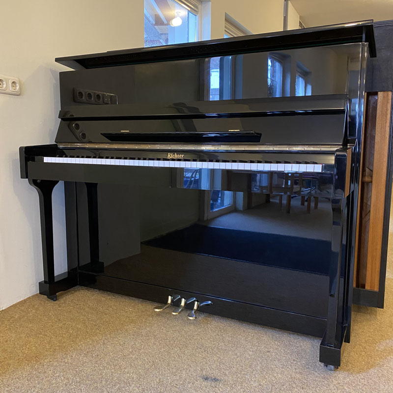 Richter piano piano voorkant klep open