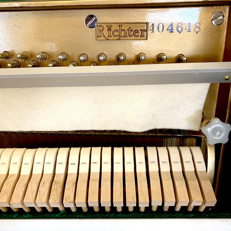 Richter piano serienummer